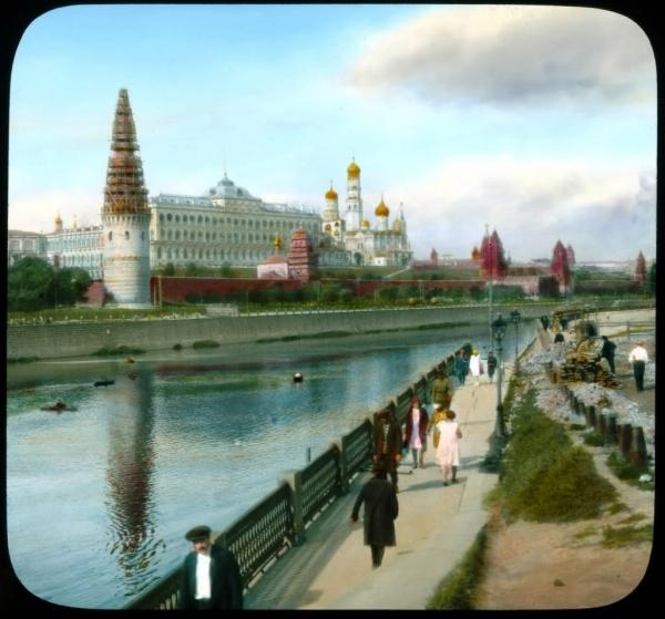 Старая Москва, вид на Кремль от Большого Каменного Моста