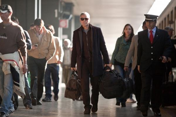 Американец (The American, 2010)